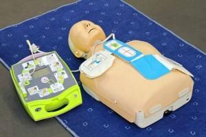 manequin-massage-défibrillateur